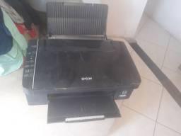 Impressora Epson retirada de peças