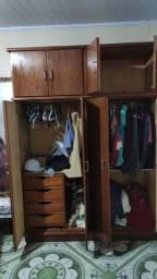 Vendo guarda roupa madeira massissa