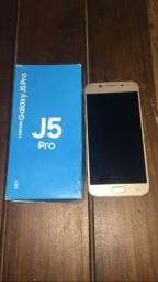 Celular J5 com caixa, nota fiscal é carregador original.