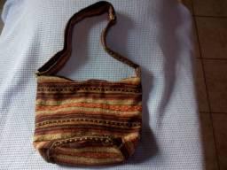 Bolsa de Ombro estilo Peruana , com Forro .