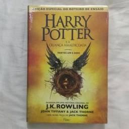 Livro Harry Potter e a criança amaldiçoada - Parte um e dois (capa dura)