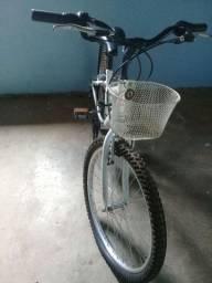 Vendo essa bicicleta feminina 500,00