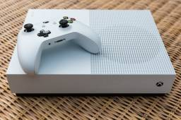 Xbox one S - Pouco usado