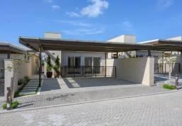 Casa em condomínio em Mata da Praia