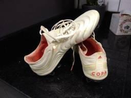Chuteira Adidas Copa PROFISSIONAL, núm. 39. Ótimo estado.