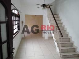 Casa à venda com 2 dormitórios em Bento ribeiro, Rio de janeiro cod:VVCA20090