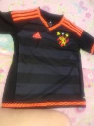 Título do anúncio: Vendo camisa Original do Sport Adidas Tamanho P Criança