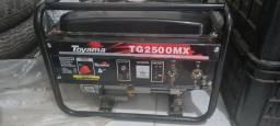 Gerador a Gasolina 1,25 kVA 96CC 4T Partida Manual - Toyama<br><br>