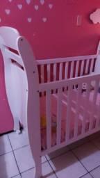 Berço cama lindo. Minha filha não usou.