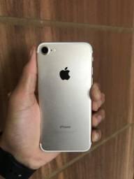 iPhone 7 32GB - Dourado