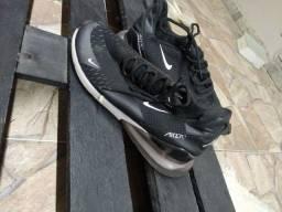 Tênis Nike (número 43)