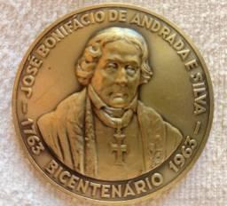 Medalha bicentenário José Bonifácio de Andrada