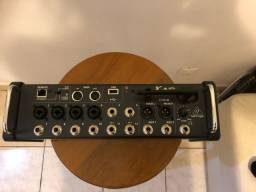 Mesa Digital Behringer XR12 canais