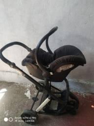 Bebê Conforto com carrinho