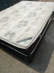 Título do anúncio: Vendo cama box completa