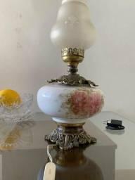 Abajur antigo em bronze, porcelana e vidro - R$ 350,00 comprar usado  São Luís