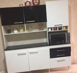 Armário de cozinha( tipo de pé)