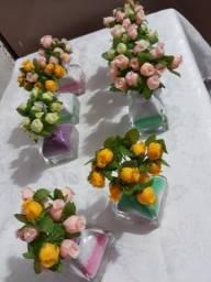 Arranjos florais pra ornamentar sepulturas