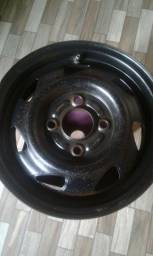 Vendo uma roda de corsa aro 13 preço 35 reais tel *