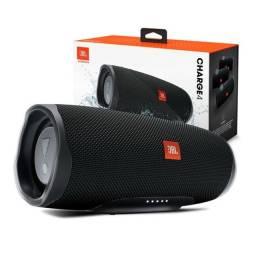 Speaker JBL Charge 4 30 watts RMS com Bluetooth / Auxiliar Bateria 7.500 mAh - Preto