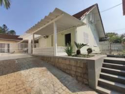 Casa para alugar com 3 dormitórios em America, Joinville cod:06318.001