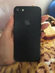 IPhone 7 1.450,00 praticamente novo