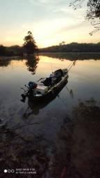 Caiaque de pesca com motor, sonar, gps, etc