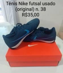 Tenis Nike Futsal (original) tam. 38  R$35,00