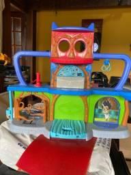 Quartel general PJ MASKS + bonecos e carrinho