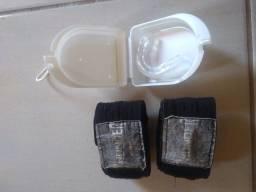 Luvas de Boxe / Muay Thai. Pouco utilizadas.