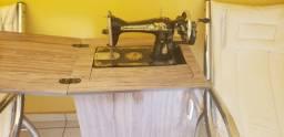 Título do anúncio: Máquina de costura reta Beebirdfly com gabinete
