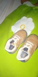 Sapato de menino semi novo
