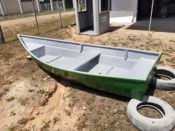 Título do anúncio: Barco de fibra bem dizer novo usado uma vez