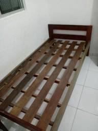 cama de Madeira em perfeito estado