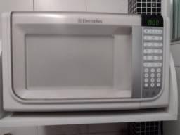 Microondas Electrolux 31 L - usado