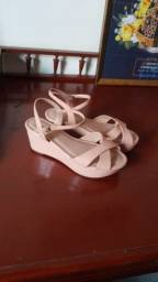 Sandália anabela rosa claro nº36