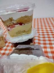 Título do anúncio: Bolos de pote gourmet, naked cake, tortas de aniversário