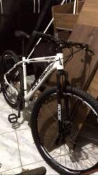 Título do anúncio: Vendo bicicleta 3 meses de compra 1000 ou troco em celular aro 29
