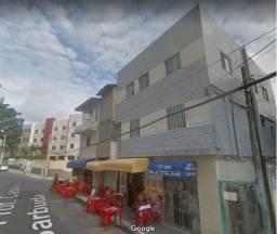 Aluga-se Apt 2/4 no bairro do Costa Azul - R$ 1.100 ( com tudo )