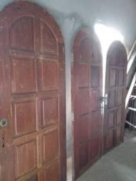 Porta de madeira colonial
