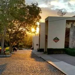 Venha passar as férias num flat no Hotel Monte Castelo.