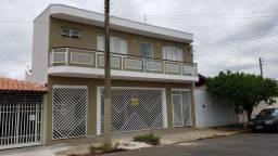 Título do anúncio: Sobrado com 4 dormitórios, Jardim Kamel, Pirassununga - R$ 700 mil, Cod: 10131762