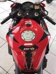 CBR 600 Honda vermelha