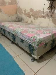 Título do anúncio: Vendo uma cama de solteiro