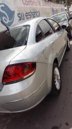 Carro Fiat linea - 2009