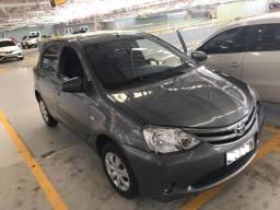 Toyota Etios 1.3 X, com apenas 38.295km - 2015
