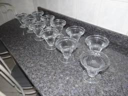 Jogo com 11 taças para sorvete em vidro