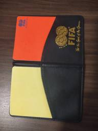 Cartão vermelho e amarelo