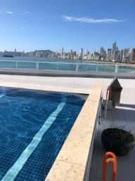 Loft studio até dezembro c garagem e piscina de frente para o mar