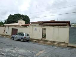Casa para aluguel, 3 quartos, 1 vaga, São Pedro - Sete Lagoas/MG